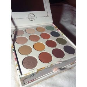 NWOT Sephora Collection Secret Garden Palette